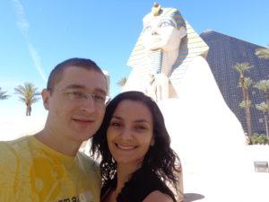 Esfinge e pirâmide do Luxor.