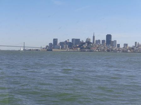 Vista de San Francisco a caminho de Alcatraz